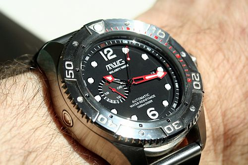 Molarity-Watch-Group-Deep-Diver (7)