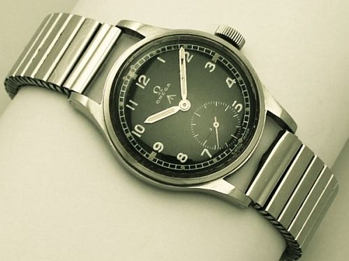 w7035_military_omega_watch_402_detail